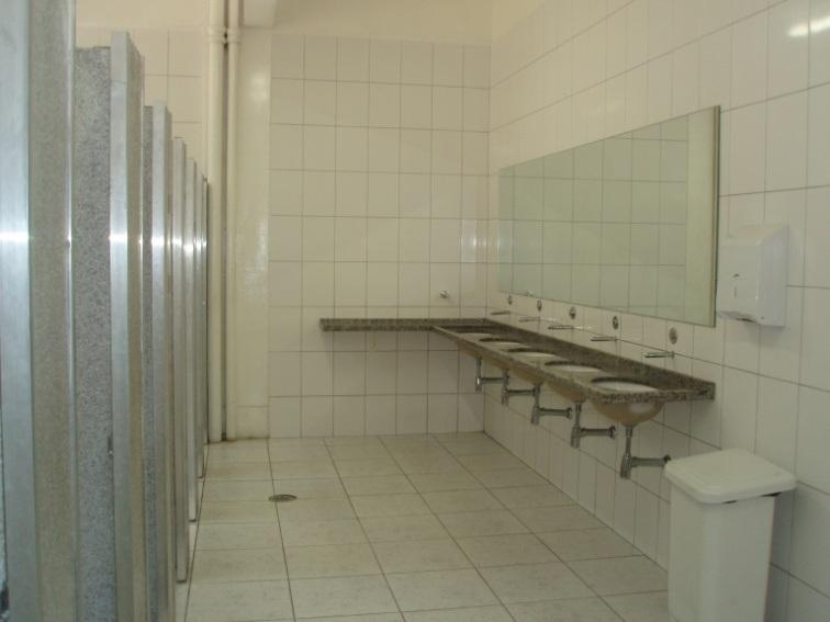 Fundação para o Desenvolvimento da Educação  FDE -> Banheiro Feminino Limpo